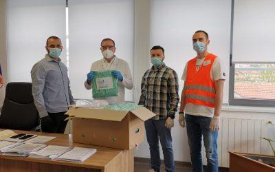 Otvorena ruka donirala zdravstvenim ustanovama zaštitna odela